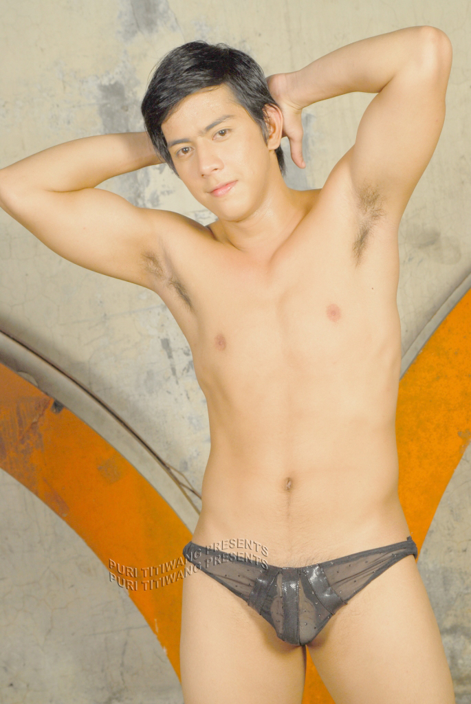 Pinoy M2m http://thebaklareview.blogspot.com/2007/12/erotika-m2m-art-of-striptease-and.html